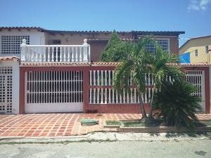 Casa En Venta En Cua, Santa Rosa, Venezuela, VE RAH: 16-10658