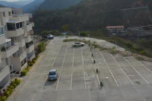 Apartamento En Venta En Caracas, Bosques De La Lagunita, Venezuela, VE RAH: 16-10696