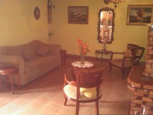 Apartamento En Venta En Guatire, Guatire, Venezuela, VE RAH: 16-10605