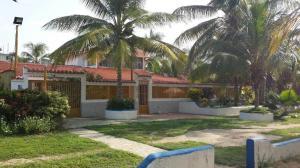 Casa En Venta En Cupira, Playa Pintada, Venezuela, VE RAH: 16-10651