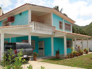 Casa En Venta En Ocumare De La Costa, El Playon, Venezuela, VE RAH: 16-10666