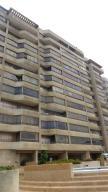 Apartamento En Venta En Catia La Mar, Playa Grande, Venezuela, VE RAH: 16-10667