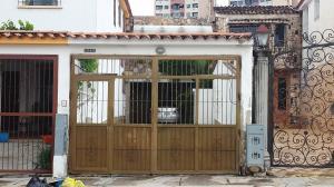 Casa En Venta En Valencia, Sabana Larga, Venezuela, VE RAH: 16-10670