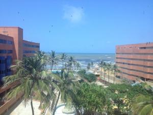 Apartamento En Venta En Tucacas, Santa Rosa, Venezuela, VE RAH: 16-10699