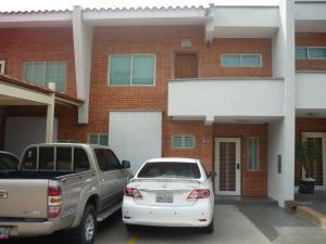 Townhouse En Venta En Valencia, Manongo, Venezuela, VE RAH: 16-10708