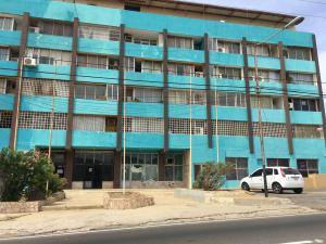 Apartamento En Venta En Punto Fijo, Santa Irene, Venezuela, VE RAH: 16-10718