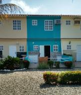 Townhouse En Venta En Cupira, Bosque Mar, Venezuela, VE RAH: 16-10727