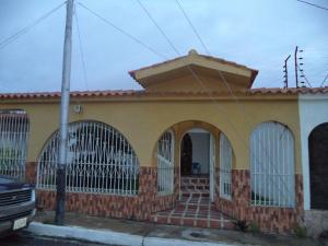 Casa En Venta En Cabudare, Almarriera, Venezuela, VE RAH: 16-10764