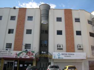 Apartamento En Venta En Maracay, Las Cayenas, Venezuela, VE RAH: 16-10801