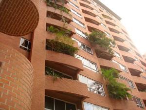 Apartamento En Venta En Caracas, El Rosal, Venezuela, VE RAH: 16-10847
