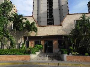 Apartamento En Venta En Municipio Naguanagua, La Granja, Venezuela, VE RAH: 16-10859