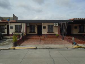 Casa En Venta En Cabudare, Parroquia José Gregorio, Venezuela, VE RAH: 16-10869