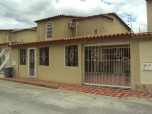 Casa En Venta En Turmero, Santiago Mariño, Venezuela, VE RAH: 16-10875