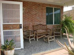 Casa En Venta En Maracaibo, Maracaibo, Venezuela, VE RAH: 16-10886