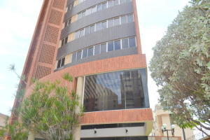 Apartamento En Venta En Maracaibo, La Lago, Venezuela, VE RAH: 16-10900
