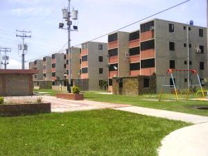 Apartamento En Venta En Municipio Los Guayos, Buenaventura, Venezuela, VE RAH: 16-11080