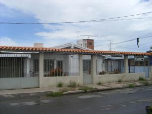 Casa En Venta En Cagua, Centro, Venezuela, VE RAH: 16-10926