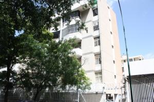 Apartamento En Venta En Caracas, Bello Campo, Venezuela, VE RAH: 16-10954