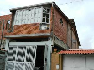 Casa En Venta En San Antonio De Los Altos, La Peña, Venezuela, VE RAH: 16-10966