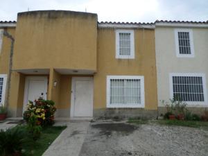 Townhouse En Venta En Cua, Villa Falcon, Venezuela, VE RAH: 16-11009