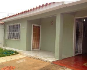 Casa En Venta En Palo Negro, Conjunto Residencial Palo Negro, Venezuela, VE RAH: 16-11011