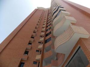 Apartamento En Venta En Valencia, La Trigaleña, Venezuela, VE RAH: 16-11028
