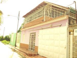 Casa En Venta En Palo Negro, La Croquera, Venezuela, VE RAH: 16-11029