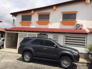 Casa En Venta En Caracas, Colinas De La California, Venezuela, VE RAH: 16-11036