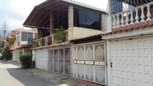 Casa En Venta En Guatire, El Castillejo, Venezuela, VE RAH: 16-11040
