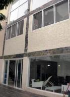 Casa En Venta En Caracas, Colinas De La California, Venezuela, VE RAH: 16-11073