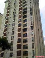 Apartamento En Venta En Caracas, Palo Verde, Venezuela, VE RAH: 16-11055