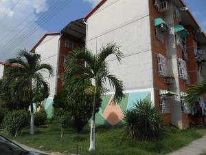 Apartamento En Venta En Maracay, Madre Maria, Venezuela, VE RAH: 16-11058
