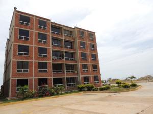 Apartamento En Venta En Parroquia Carayaca, Sector Las Salinas, Venezuela, VE RAH: 16-11066