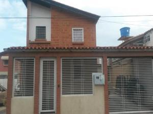 Casa En Venta En Cagua, Prados De La Encrucijada, Venezuela, VE RAH: 16-11065