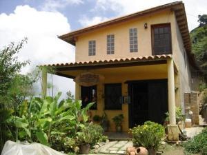 Casa En Venta En San Diego De Los Altos, Parcelamiento El Prado, Venezuela, VE RAH: 16-11068