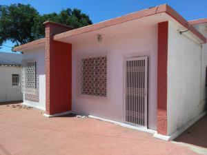 Casa En Venta En Maracaibo, Pomona, Venezuela, VE RAH: 16-11074