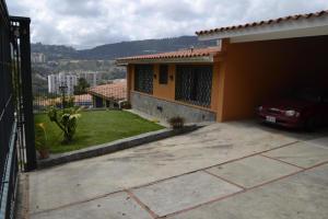 Terreno En Venta En Caracas - Lomas de La Trinidad Código FLEX: 16-11123 No.2