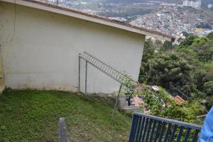 Terreno En Venta En Caracas - Lomas de La Trinidad Código FLEX: 16-11123 No.3