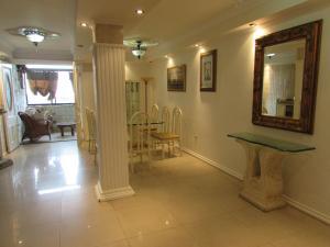 Apartamento En Venta En Ciudad Bolivar, Av La Paragua, Venezuela, VE RAH: 16-11193