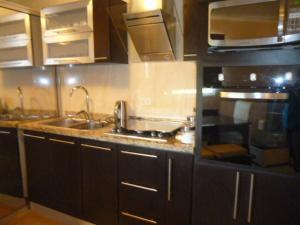 Apartamento En Venta En Punto Fijo, Guanadito, Venezuela, VE RAH: 16-11186