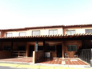 Casa En Venta En Guatire, Villa Del Este, Venezuela, VE RAH: 16-11180