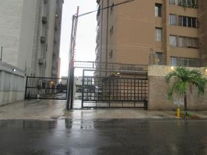 Apartamento En Venta En Maracaibo, Tierra Negra, Venezuela, VE RAH: 16-11184