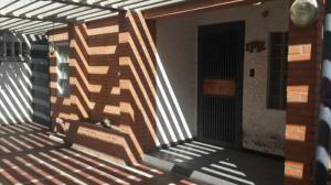 Local Comercial En Venta En Maracaibo, Calle 72, Venezuela, VE RAH: 16-11199