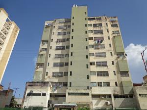 Apartamento En Venta En Valencia, La Candelaria, Venezuela, VE RAH: 16-11214