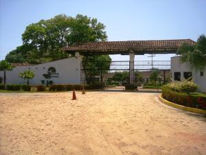 Apartamento En Venta En Higuerote, Via Curiepe, Venezuela, VE RAH: 16-11250