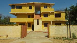 Casa En Venta En Los Puertos De Altagracia, Via Principal, Venezuela, VE RAH: 16-11216