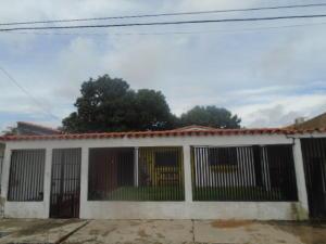 Casa En Venta En San Joaquin, Villas Del Centro, Venezuela, VE RAH: 16-12010