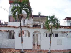 Casa En Venta En Guatire, La Rosa, Venezuela, VE RAH: 16-11238