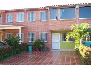 Townhouse En Venta En Guatire, Terrazas Del Ingenio, Venezuela, VE RAH: 16-11245