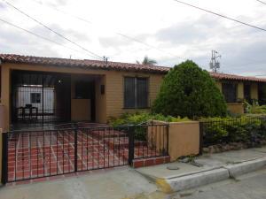 Casa En Venta En Cabudare, Parroquia José Gregorio, Venezuela, VE RAH: 16-11430